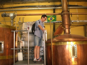 Sebastian Mergel in der Colorado Brauerei in Brasilien